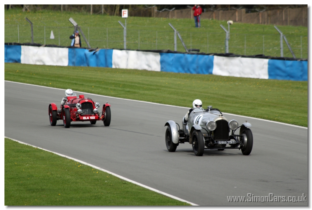 ... Aston Martin 15/98 Speed 1937 catches Silver No.14 - Bentley 4½-litre