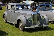 Bentley MkVI 1949 SS Saloon front