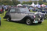 Bentley MkVI 1950 FW Saloon front