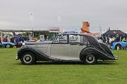 s Bentley MkVI 1950 FW Saloon side