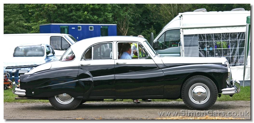 http://www.simoncars.co.uk/daimler/slides/s_Daimler%20Regency%20Sportsman%20Saloon%20side.jpg