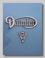 aa_Daimler 2½litre V8 badge