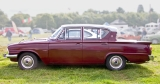 s_Ford Consul Classic 4dr side