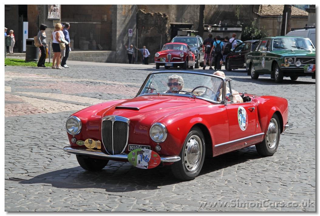 http://www.simoncars.co.uk/lancia/slides/Lancia%20Aurelia%20B24%20Convertible%201956%20front.jpg