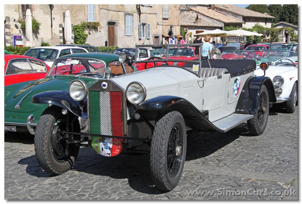 http://www.simoncars.co.uk/lancia/slides/Lancia%20Lambda%20Series%20VIII%201928%20front.jpg