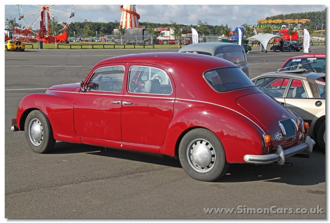 http://www.simoncars.co.uk/lancia/slides/ac_Lancia%20Aurelia%20B21%201951%20front.jpg