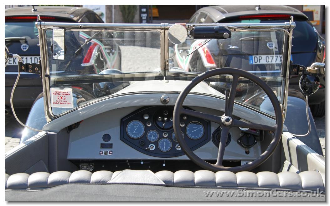 http://www.simoncars.co.uk/lancia/slides/m_Lancia%20Lambda%20Series%20VIII%201928%20inside.jpg