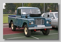 Land-Rover Series III 109inch pickup front