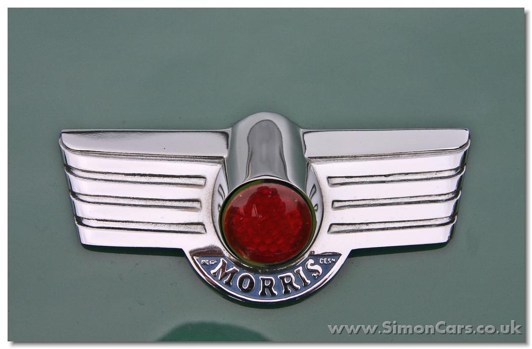 Vintage Classic Morris Bonnet Badge Automobilia Badges & Mascots