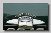 b_Morris Oxford Series III badge r