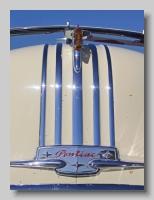 aa_Pontiac Chieftain 1949 Silver Streak 8 badge