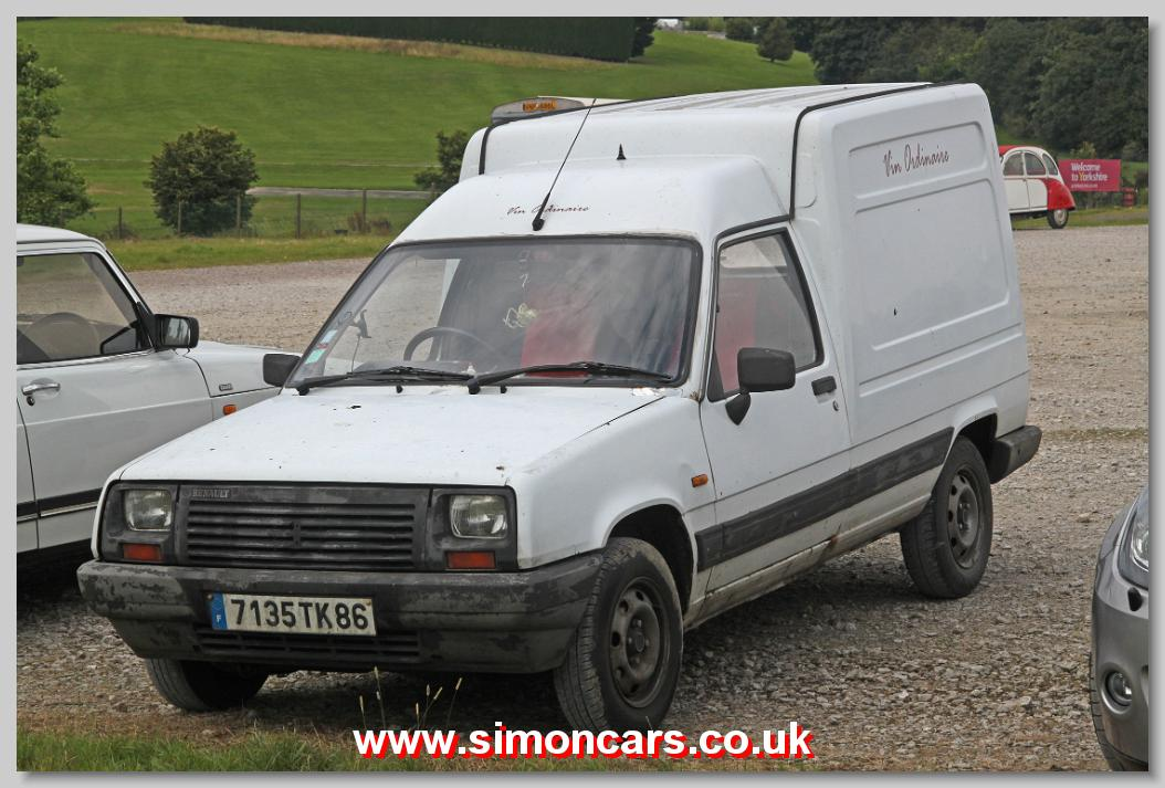 simon cars renault vans. Black Bedroom Furniture Sets. Home Design Ideas