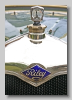 aa_Riley 11-9hp 1927 badge