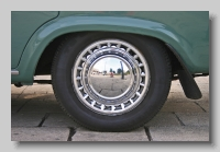 w_Standard Vanguard Vignale wheel