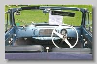 xi_Volkswagen Type 1 1200 1956 Convertible inside