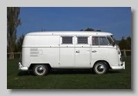 y_Volkswagen Caravanette 1965 side